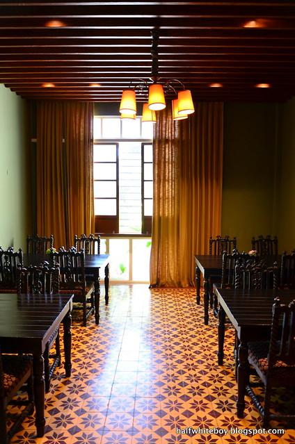 the henry hotel manila 33