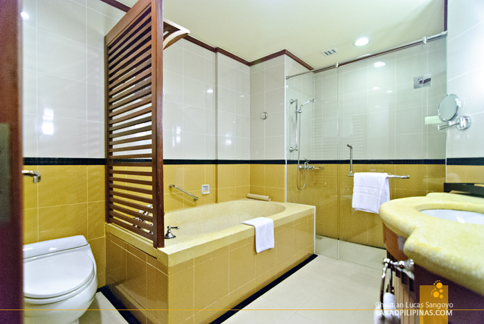 Sokha Angkor Resort Toilet and Bath in Siem Reap