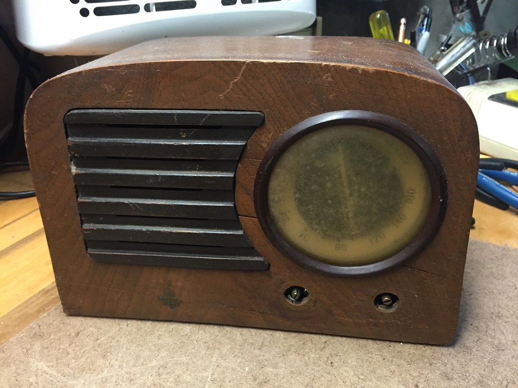 antique radio forums view topic fs small wood cabinet. Black Bedroom Furniture Sets. Home Design Ideas