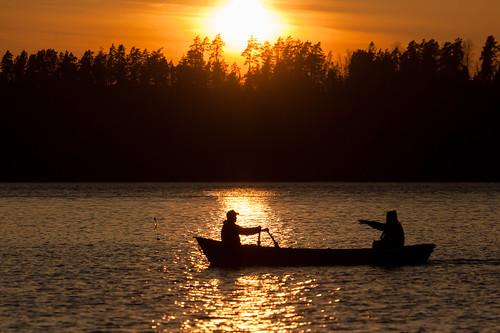 sunset sun lake silhouette espoo finland boat sundown vene järvi auringonlasku aurinko uusimaa kevät pitkäjärvi