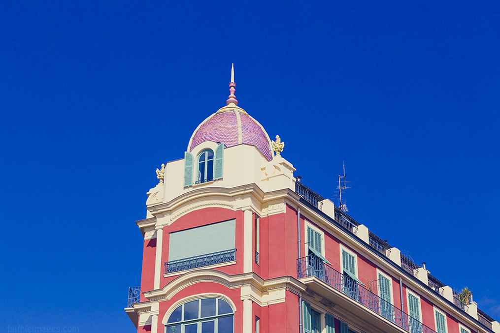 Detail of Nice's typical architecture