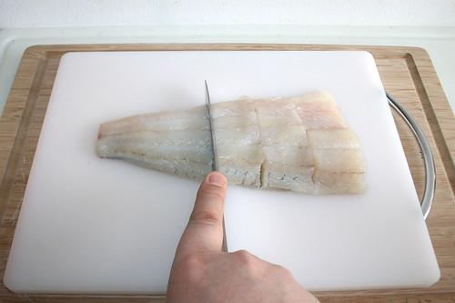 16 - Zanderfilet in Stücke schneiden / Cut zander filet