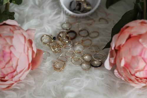 ringe-schmuck-accessoires-silber-gold-rosa-pink-room-outfit-style-modeblog-fashionblog