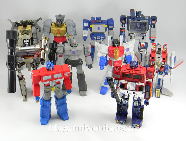 Transformers Titan Warriors SDCC Exclusive (Grimlock, Optimus Prime, Megatron, Soundwave Starscream) - modo robot vs G1
