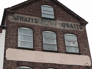 Spratts ghost sign, Station Road, Rushden