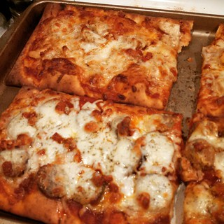 Pizza Night! His (sausage & pepperoni) & Hers (chicken & pepperoni). #homemade #pizza #foodstagram #yumo