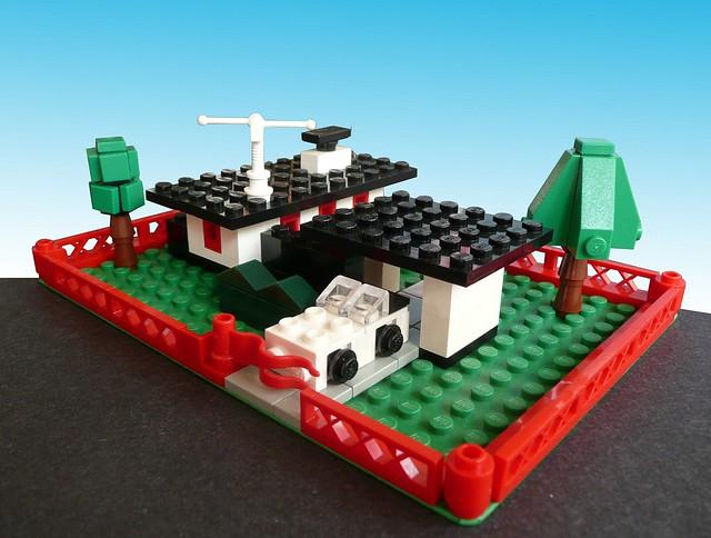 LEGO Microscale 345 Modern House