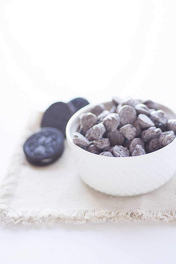 cookies and cream frozen yogurt dots