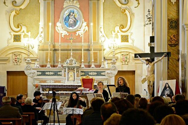 Noicattaro. Concerto musica Chiesa del Carmine intero