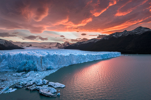 park blue autumn sunset red sky patagonia white mountain lake snow cold ice nature water argentina colors beautiful clouds america landscape frozen los south scenic dramatic antarctica panoramic glacier national iceberg majestic incredible perito moreno palnt calafate glaciares