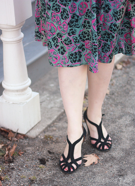 Modern-does-40s suede shoes to go with a 40s rayon print dress