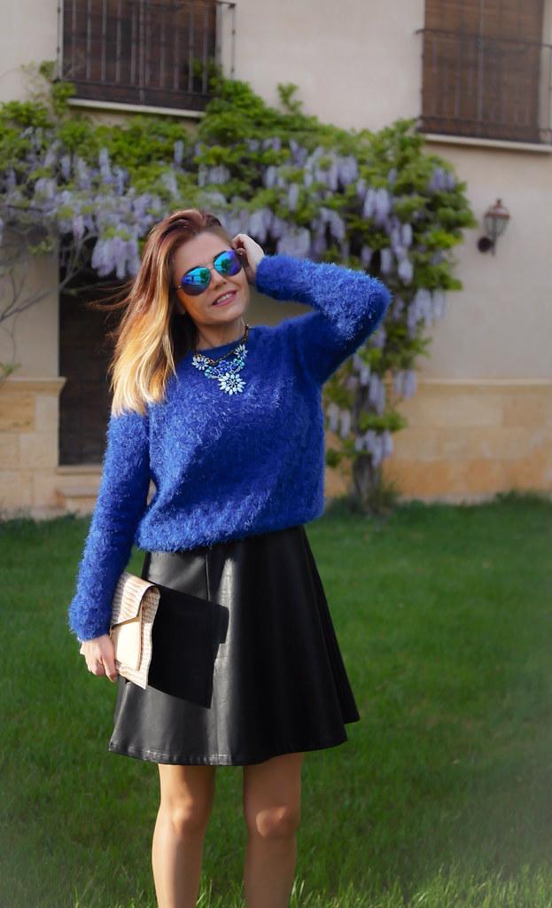 Azul Klein y negro outfit primaveral | ESTILISMO CON ROMY