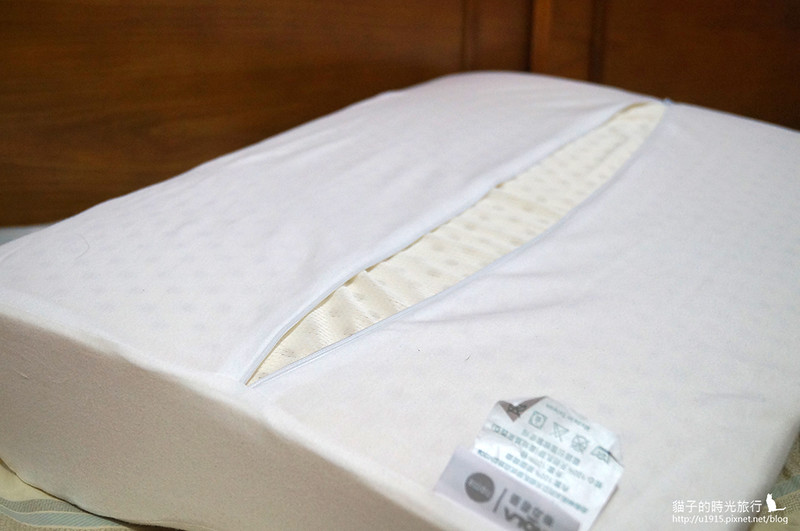 HOLA-馬來西亞天然乳膠枕曲線型