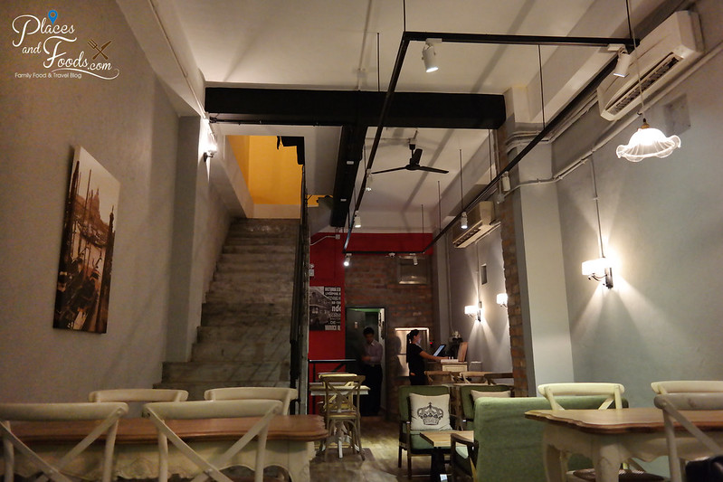 chill cafe macau interior
