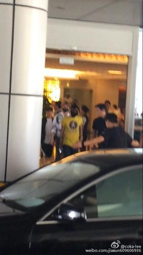 more BIGBANG arrival Shenzhen 2015-08-07 (9)