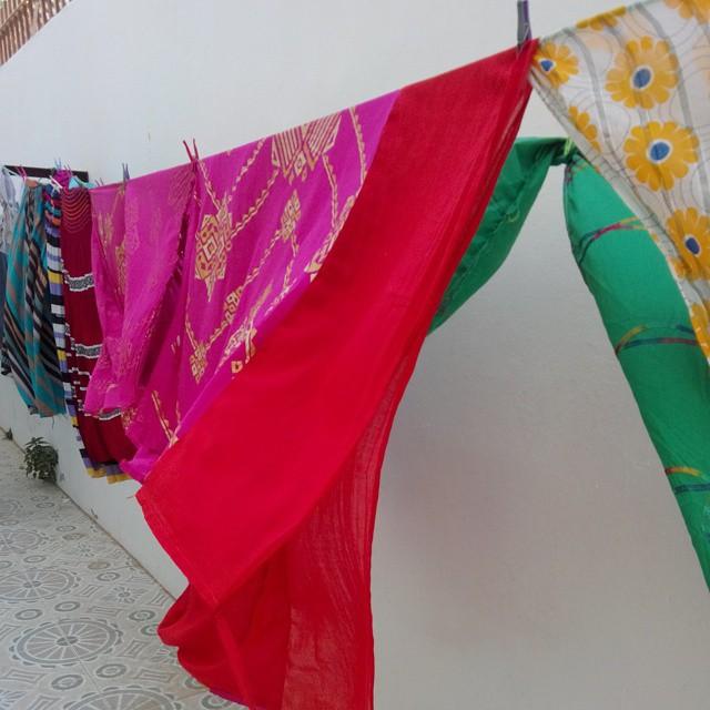 Linha de roupa a secar na Mauritânia