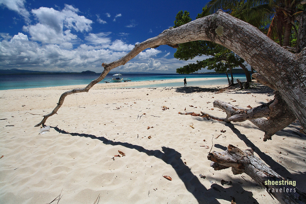 dead tree and fine white sand, Mahaba Island