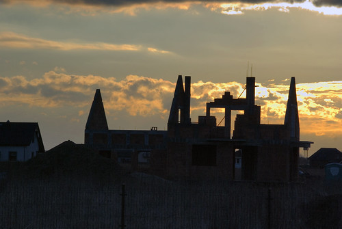colour clouds sunrise landscape poland polska housingestate kolor chmury krajobraz osiedle dobrzykowice wschódsłońca światłocień chairscuro