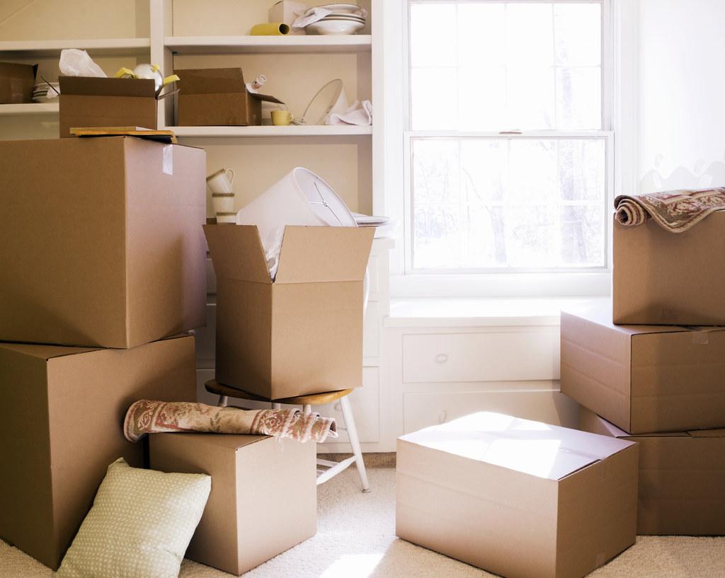 TE-BLOG_-Moving-day-boxes_-08_23_2011_iStock_000008388519Medium1