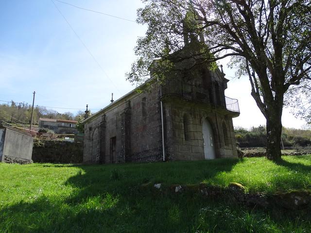 Iglesia de San Lourenzo en A Lama