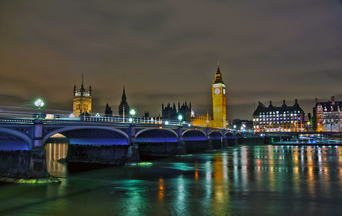 uk nightphotography england london westminster reflections nightlights londonbynight housesofparliament parliament bigben lighttrails riverthames nightscapes palaceofwestminster lighttrail thethames reflectionsinwater thameslondon ukparliament