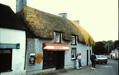 Le pub Sinnotts à Duncormick, avec sa toiture en chaume