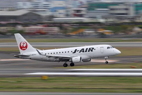 Itami Airport 2014.4.4 (34) JA224J / J-AIR's ERJ-170