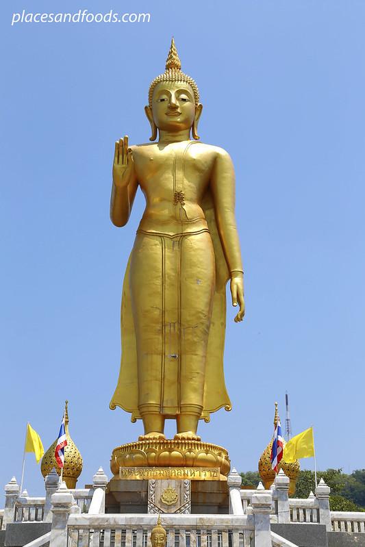 Phra Phutthamongkol Maharaj Golden Buddha big statue