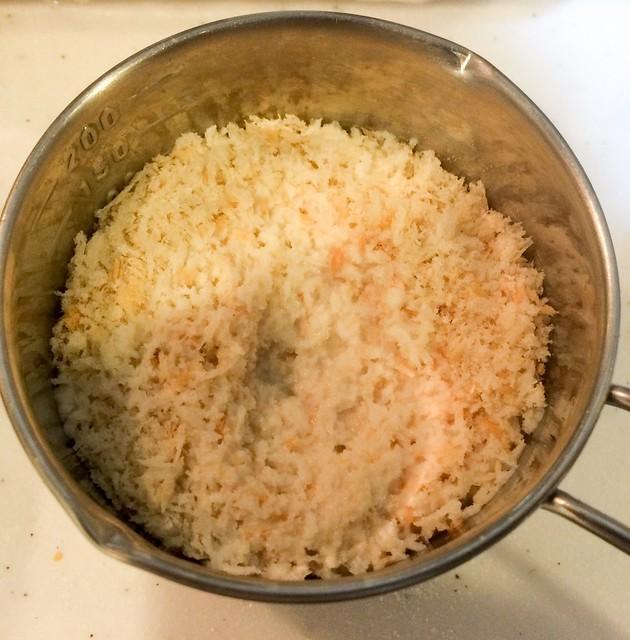 パン粉と牛乳は先に混ぜる