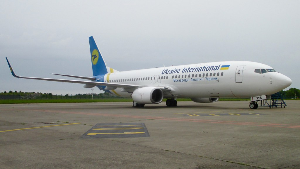 UR-PSS - B738 - Ukraine Int. Airlines