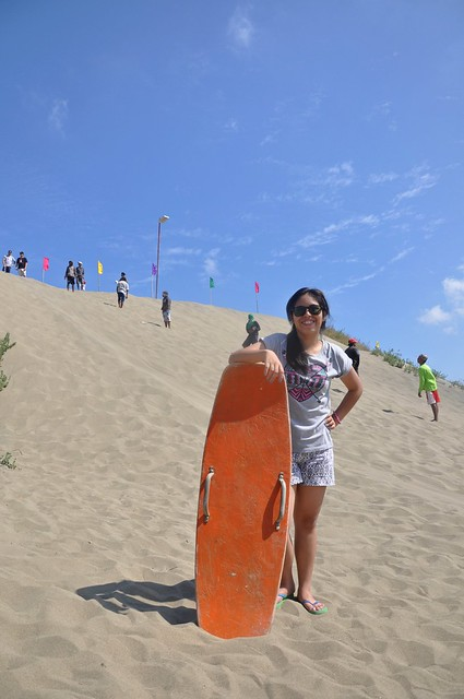 """Laoag """"La Paz"""" sandboarding"""