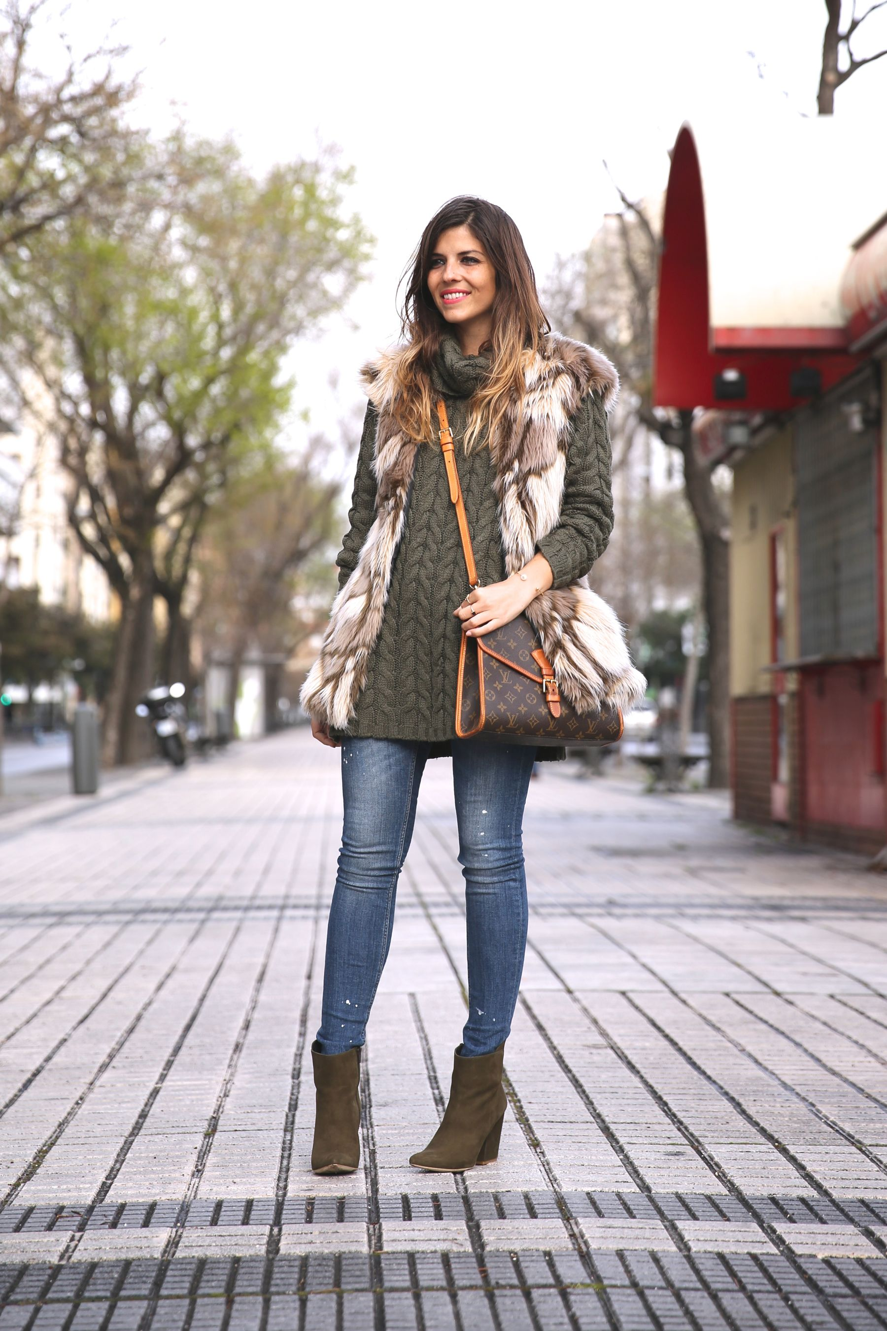 Khaki and Beige Look – Trendy