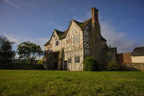 Langley Gatehouse n the sunshine
