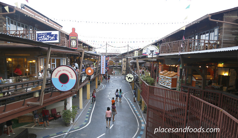 hua hin plearnwan street view