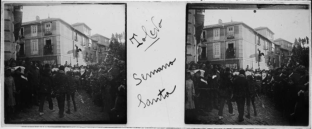 Procesión de Semana Santa en Toledo hacia 1915. Fotografía de H.B. © Fototeca de Instituto del Patrimonio Cultural de España (IPCE), signatura HB-0040_P