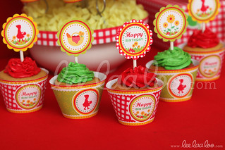 21d - Red Riding Hood - Party Circle & Cupcake Wraps - B37