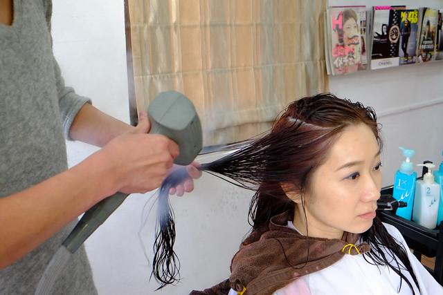 暖春變髮模式on!!到台中Glitz Hair階段性滿足燙髮+染髮的雙重願望~~ @強生與小吠的Hyper人蔘~
