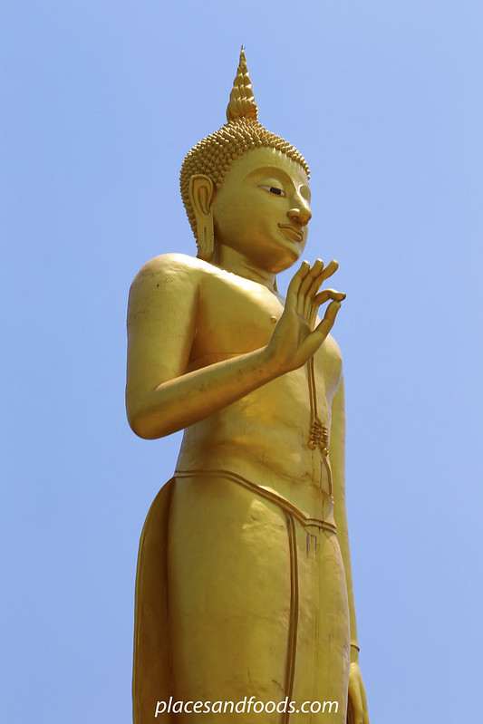 Phra Phutthamongkol Maharaj Golden Buddha close up