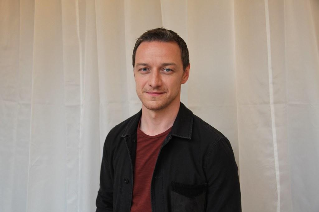 Джеймс МакЭвой — Пресс-конференция «Люди Икс: Апокалипсис» 2016 – 7