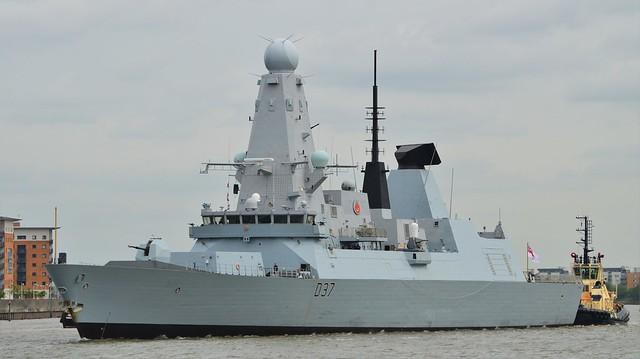 HMS Duncan D37 (11) @ River Thames 20-05-16