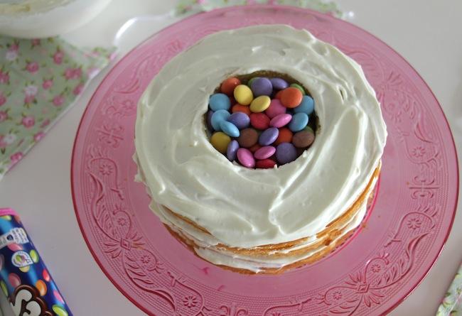 Piñata_cake_aux_smarties_22