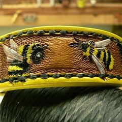 #leatherdogcollars  #bees #custommade #customleather #tooledleather #tooledleatherdogcollars #handmade #customorder