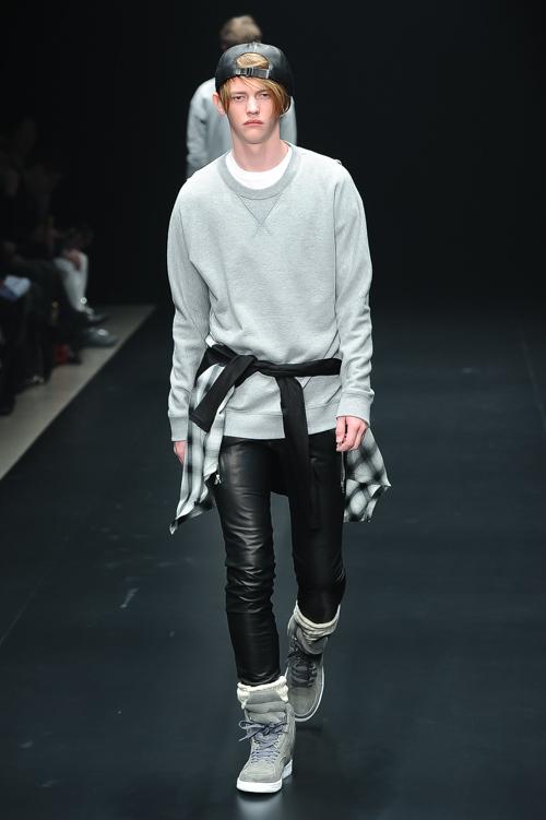 FW15 Tokyo ato025_Robbie McKinnon(Fashion Press)