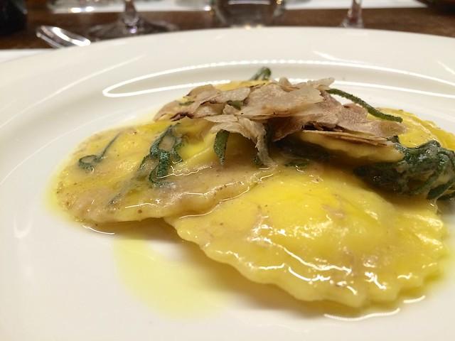 ravioli-white-truffle-san-pietro-a-pettine-cr-brian-dore