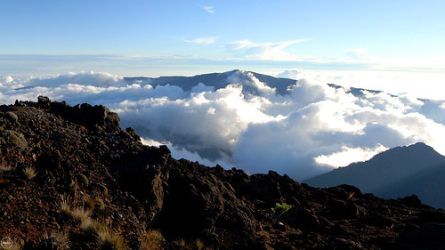 above sunset mountain reunion clouds island volcano hell le piton chateau puy apero bourg volcan neiges cilaos
