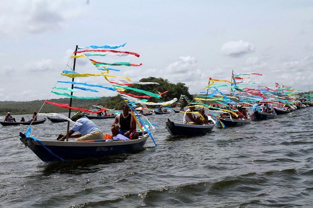 5 resgates históricos que você vai assistir na Festa do Sairé deste ano, SAIRÉ-RITUAL DE BUSCA DOS MASTOS-Procissão fluvial no Lago Verde.TAMARA SARÉ