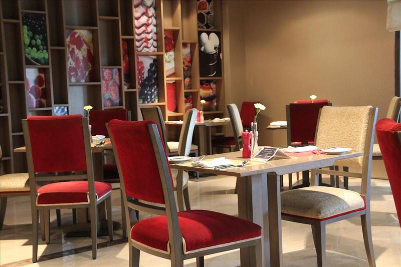 The Big Sunday Brunch @ Café Knosh, Kempinski Ambience Hotel, Vivek Vihar