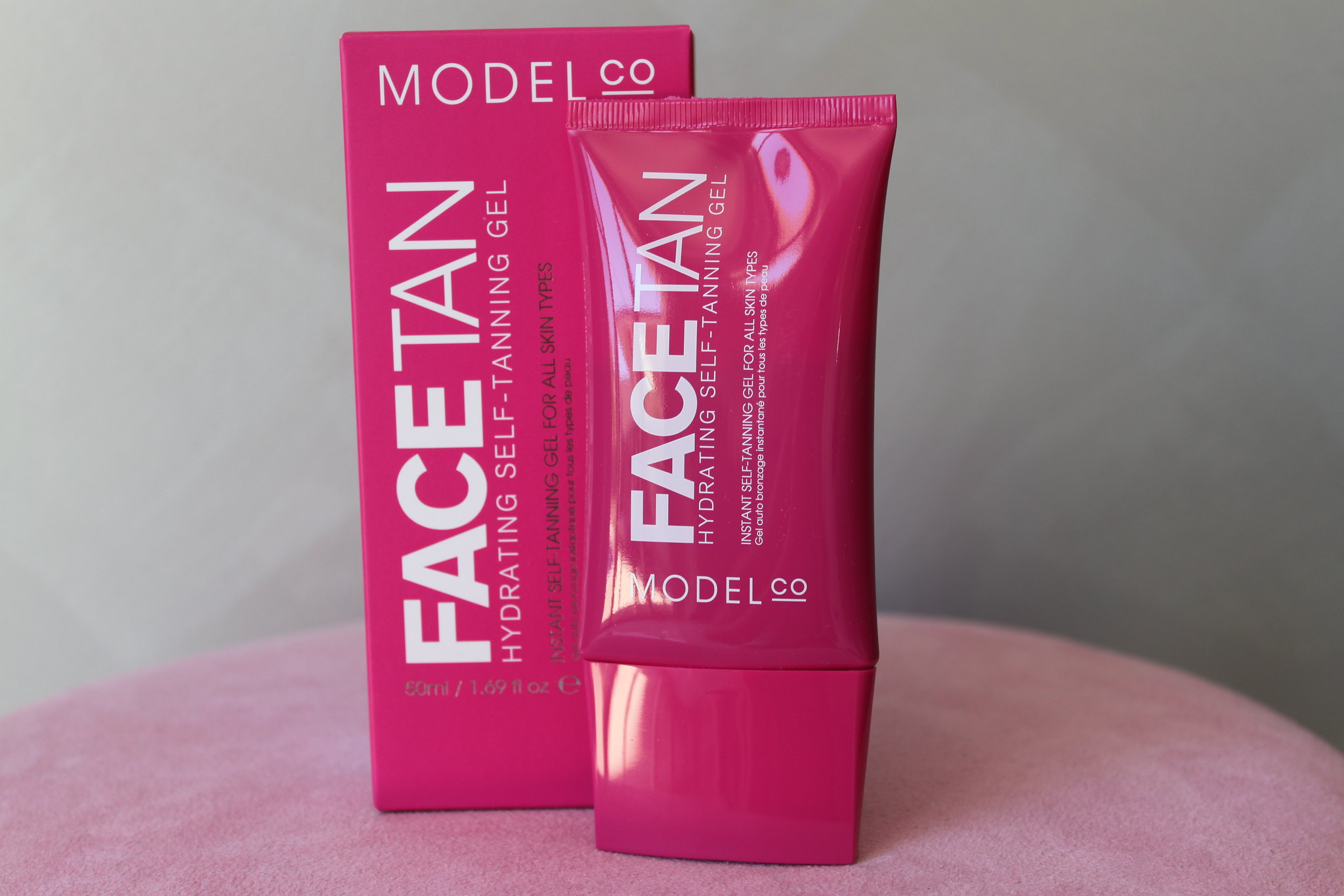 Modelco gradual Face Tan hydrating self tanning gel australian beauty review ausbeautyreview blog blogger aussie natural glow summer beautiful sexy skin sensitive priceline model co