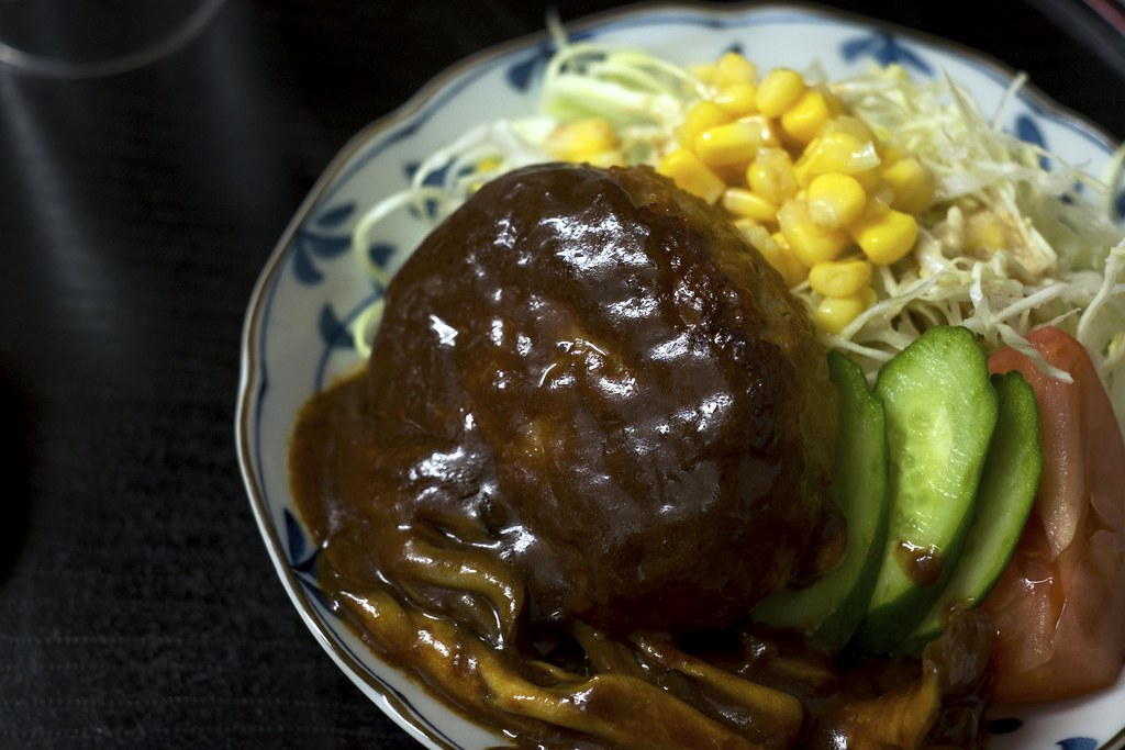 Salisbury steak with mushroom sauce / きのこソースのハンバーグ / 乗瀬高原荘 (長野県小諸市)