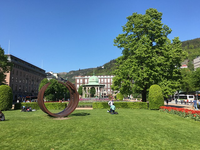 Random sculpture and gazebo in Bergen